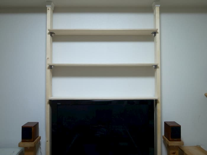 テレビの上の棚
