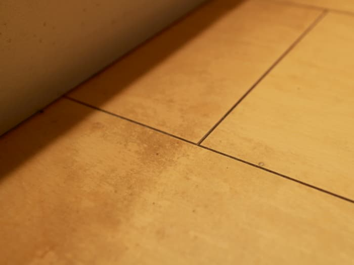 キッチン床の油汚れ