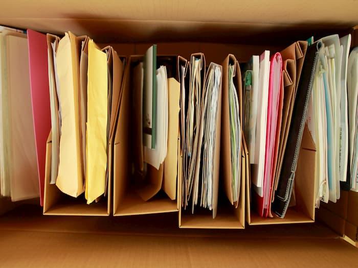 無印の紙製ファイルとPP製クリアブック